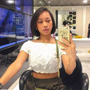 Got my hair shorter. 🤗 Thank you @alfons_salon.id for always make me look fresh 💃🥰 ......#alfonssalon #lotteshoppingavenue #jakarta #haircut #sakuralisha #shorthair #indonesia #clozetteid