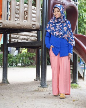 Don't wear something just because others people looks great in it. Fashion is about comfort and feeling good. (Max Azria)...#Simplicity #ootd #FashionBlogger #ootdindo #hootd #clozetteid #hijabstyle