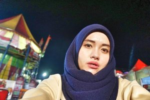 Tamasyah ke taman ria 🎡🎪🎠🌃......#vsco #vscocam #throwbackthursday #livefolk #park #instagood #traveling #trip #clozetteid #wanderlust #world #sonya5100 #earth #sky #indonesia #tbt #selfie #girl #hijab #photoshoot #picoftheday #bandung #photooftheday #travel #photography #outdoors #throwback #black #yolo #night