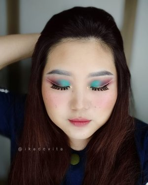 I hope that the pandemic will be over soon and we are all stay healthy, happy and safe. . . Eyes : @beautyglazed Georgeous Me Eyeshadow Tray. . . Have a blessed day everyone! . . #clozetteco #clozetteid #100haringontenwithibc #100daysofmakeup #beautyglazed