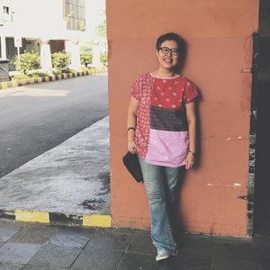 Friday batik 😊 Have a nice Friday to you all 😘. . . . . . . #clozetteid #ootd #batik #etnik #ootdpost #ootdshare #fashion #casualwear #friday #outfit #officewear