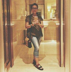 My favorite spot at Metropole is.... the restroom 😂😂😂 My #ootdshare to @clozetteid top by @worangashop.batik  shoes by @mksshoes  bag by @mudagaya . . . #clozetteid #worangashop #mksshoes #mudagaya #ootd #outfitoftheday #lookoftheday #TFLers #fashion #fashiongram #style #love #currentlywearing #lookbook #wiwt #whatiwore #whatiworetoday #outfit #clothes #wiw #mylook #fashionista #todayimwearing #instastyle #instafashion #outfitpost #fashionpost #todaysoutfit #fashiondiaries