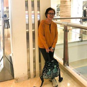 Strolling around the city ❤️     #ootd  #ootdcasual  #clozetteid  #fashion  #ootdwithgaudi  #ootdwithuniqlo #onitsukatiger  #sackaibag  #casual  #lifestyle  #jakarta