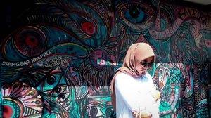 Bandung udah  masuk ke musim panas nih, jangan lupa sunblock dan sunglasses ya 😎#febtarinarcom
