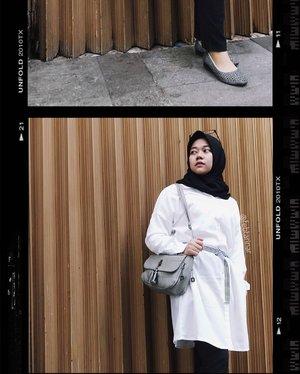 OOTD nonton @xmenmovies #DarkPhoenix, yang kangen @sophiet di GoT bisa liat aksinya di sini, ayo mana suaranya yg udah nonton?Btw Jum'at kemarin aku pgn nyantai jadi pake baju putih di tambah belt biar ga polos banget, putih lagi jadi warna favorite bgt nih, ada yg suka putih juga geng? #fashionblogger #bloggerbandung #hijabbloggerbandung #bandunghijabblogger #bloggerperempuan #clozetteid #bccsquad #ootd #hotd #hijaboutfit #hijabfashion #hijaboutfitoftheday #febtarinarcom