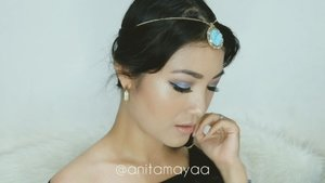 OMG!! Waktu kecil mimpi bisa jadi Princess Jasmine, yash se is my most favorite Disney Princess 😍 Dan akhirnya bangga banget bisa bikin Princess Jasmine makeup look, yah meskipun masih agak berantakan yaa.. 🙏 . So, these are the products I used: @viecosmetics_official Oscar Night Eyebrow @thebalmid Rockstar Palette shade Allegro & Presto @absolutenewyork_id ICON Palette shade Sapphire, Periwinkle, and Dawn @ottie_indonesia Perfect Eyeliner @bohktoh.eyelashes @revlonid Ultra HD Matte Lip Color shade Seduction . I hope you like it 💕 . #anitamayaadotcom #indobeautygram #tampilcantik #powerofmakeup #bvloggerid #makeup #wakeupandmakeup #beautybloggerindonesia #jakartabeautyblogger #bloggermafia #bloggerslife #indonesianbeautyblogger #clozetteid #starclozetter #aladdini #princessjasmine #indobeautysquad