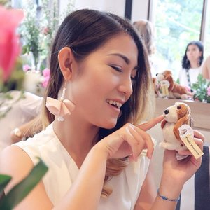 . Don't let the silly little things steal your happiness. Hey, tomorrow is a holiday!!! 🤗 . Earings from @forher.onlineshop Cek her instagram for more beautiful earings with affordable price.. . #endorseanitamayaa #endorsement #endorse #anitamayaadotcom #bblogger #bloggerslife #fashionpeople #earings #cuteearings #clozetteid #potd #bestoftheday #qotd #happinness #thanksgod #blessed