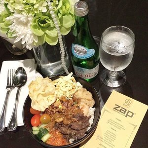 . #latepost dinner with @zapcoid at ZAP Blogger Gathering Congratulation for the Grand Opening of 16th outlet, ZAP Menteng � Sukses selalu #DiscoverYourConfidence #ZAP #ZAPKartini #bloggergathering . #ClozetteID #StarClozetter #beautyclinic #grandopening #party #skincare #skintreatment #facetreatment #bblogger #bloggerslife #indonesianbeautyblogger