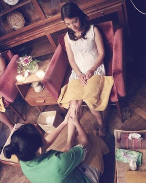 . At the end of the day, #weekendspentwell completed with foot massage from @martha_tilaar Thanks God for today! Good nite, peeps 😘😘 . #SaturdayWithOLX #weekend #happyweekend #happyday #goodnight #thanksGod #bblogger #bloggerslife #ilovemyjob #clozetteid #mommyblogger