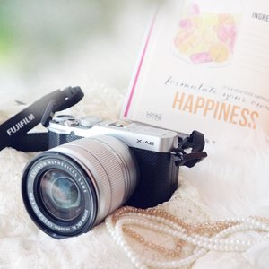 . For me, HAPPINESS is making my dream come true!! Finally got my hands on this #FujifilmXA2 Thank you so much @bakmimewah @femaledailynetwork for choosing me as a winner for best blogpost #FDxBakmiMewah 🙏🏼💕 . #fujifilm #fujifilmxseries #thanksgod #anotherachievement #dreamcometrue #workhard #happiness #blessed #ilovemyjob #beautyblogger #lifestyleblogger #bloggerslife #clozetteid #fdbeauty #indonesianbeautyblogger #happyme #potd #bestoftheday #anitamayaadotcom #anitamayaareview