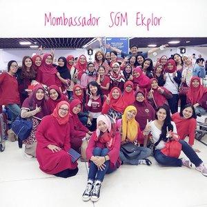 .Senangnya sudah resmi jadi #MombassadorSGMEksplor semoga kita semua bisa menjadi pribadi yg lebih baik, bs bermanfaat untuk lingkungan sekitar, meng-empowering sesama perempuan dan menjadi pembimbing yg baik utk anak dan keluarga kita.. aminn..Terimakasih @akuanaksgm atas kesempatan yg luar biasa ini.. 🙏🏼.#mombassadorbatch7 #temubundabatch7 #mommyslife #mommyblogger #bloggerslife #clozetteid #potd #womansquad #womanempoweringwoman