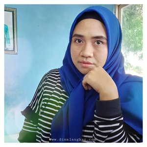 Entah kenapa suka beli baju warna itu2 mulu apalagi beli hijab, 😂 begitu dah beli ehh baru ingat punya warna itu. contoh nya warna biru, foto ku banyakan pakai hijab warna biru yak 😂 kayak cuman punya hijab itu2 aja . Hahaha..padahal warna sama tapi beda bahan kain nya 😝 . #clozette #clozetteid #clozettehijab #hijaber #hijabsimple