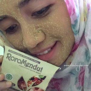Enak banget dipakai khas indonesia banget ! #backtonature #roromedutreview #clozettehijab #clozettereview #clozetteid #beautyblogger #bloggerbanjarmasin #beautyjournal #skincareroutine
