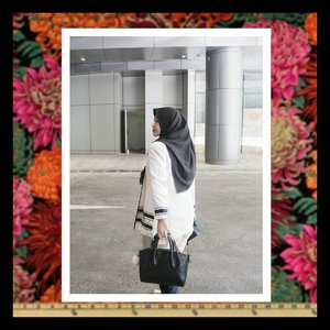 They say the secret of sincerity is to do all you can do without expecting any praise or wordly gain in return for the sake of Allah... #clozettequote #clozetteid #clozettehijab #clozetter #loveit #art #monochrome  Picture from @ricairizta