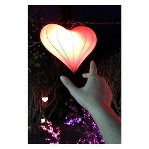 """Take your heart"" . #latepost #beauty #beautyblogger #indonesianbeautyblogger #light #baliisland #nusaduabali #photooftheday #picoftheday #instagood #instadaily #travelspot #travellingram #nusadualightfestival2017 #handsinframe #clozetteid"