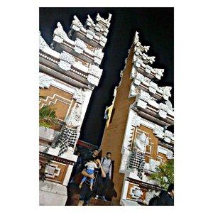 Not-so-first time visiting Bali. . Dulu udah pernah ke Bali, dan ga puas meng-explore pulau indah ini. Makin kesini, makin merasa butuh piknik, jadilah diri ini memutuskan untuk kembali mengunjungi pulau ini. XD . #indonesianbeautyblogger #bloggerindonesia #travel #bali #enjoyindonesia #indonesia #clozetteid #holiday #instadaily #instatravel #travellingram
