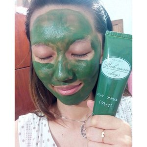 Hulk face today wkwwkw  Using @menard_id clay pack aserie from @sociolla and love the smell!  #facemask #clozetteid #menard #claymask #beautyblogger