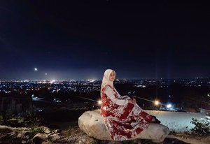 Day is over, night has come.Today is gone, what's done is done.Embrace your dream's, through the night.Tomorrow comes with whole new light.Good night❤️.#tebingbreksi#wisatajogja#ClozetteID