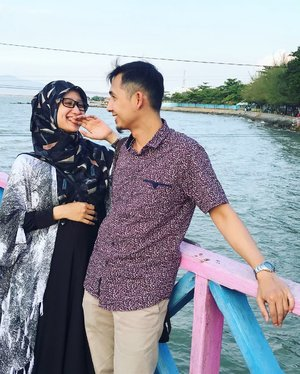 They said : to make him fall in love, I have to make him laughButEvery time he laugh, I'm the one who falls in love.#rembang#pantaikartinirembang#blora#ClozetteID