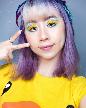 "Makeup Idea for @itstheship 🐤💛? Who is gg this year?  Inspired by @sincerely_mels on her ""RUBBER DUCK 🛁 ""  Key Products: 🐤 @jeffreestarcosmetics #jawbreaker 🐤 @makeupforeversg 12 Flash Color Case 🐤 @nakeupface_sg C-Cup Deep Volume Lip-Tox in Ballerina Pink  #ladies_journal #rubberduck #makeup #makeupartist #mua #makeuplooks #itstheship #undiscovered_muas #halloweenmakeup #beauty #clozette #clozetteid"