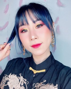 Closed up makeup look for CNY Dinner 🐉✨ Hope this year can me more 🎊🧧 Huat ar! 🧧🎊 #ladies_journal #clozetteid #clozette #cny #selfie #lunarnewyear #motd #chinesenewyear #cny2020 #asian #asiangirls #makeup #dnd #beauty #blogger #pantone2020