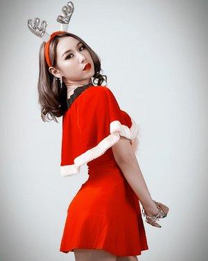 Thank you 2018, Next! 💥 . . . 📸 @oneclickwonders . . .  #ladies_journal #photoshoot #clozetteid #clozette #fashion #christmas #santa #holiday #beauty #makeup #sgig #igsg
