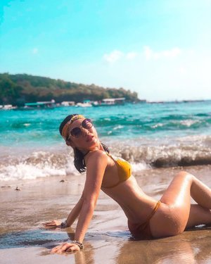 Boy, I wanna go swimming but I'm already drowning in your eyes 😌  #ladies_journal #summer #beach #vacation #clozetteid #clozette #bikini