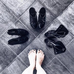 """💭 """"Which one that should I wear today?"""" You all will always questioning this because we always try to look as best as we can every single day. These are 3 favourite will never goes wrong with any outfit and style.  Share your favourite to all my shoes lover by posting it and tag me, do let me know why 👣👠 . . . #ladies_journal #clozetteid #clozette #clozetteambassador #shoes #fashion #fashionista #heels #boots #black #blackfashion #blogger #palembang #indonesia #instafashion #instamood #blackaddict #lookbook"""