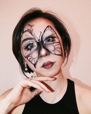 I picked up the idea from someone's tattoo that still unknown who 🦋  #ladies_journal #beauty #makeup #makeupartist #mua #makeuptransformation #butterfly  #tattoo #indobeautygram #indobeautysquad #indobeautyblogger #clozette #clozetteid #100daysofmakeup #halloween #halloweenmakeup