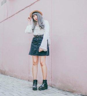 One of those classic black and white look . . . . . . . #clozette #clozetteID #outfit #lookbook #ggrep #ggrepstyle #ggreptrend #cgstreetstyle #cidstreetstyle #ootd #looksootd #streetstyle #monochrome #medanbeautygram #looks