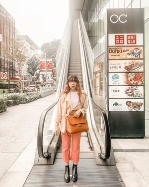 Let's go shopping with me 😆😆 . . . . . . #clozette #clozetteid #travel #lookbook #visitsingapore #lifestyle #singapore #exploresingapore #passionmadepossible #outfit #fashion #ootd #yunitapassionmadepossible