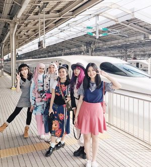Foto sebelum tertidur di shinkansen 🚅🚅😴😴 . . . . . . #PixyAsianbeautytrip2017 #Pixybeautytrip #PixyAsianBeautyTrip #clozetteID #medanbeautygram #japantrip #wheninjapan #YunitaJapanTrip #YunitaInJapan #ggrep #COVgoestoJapan