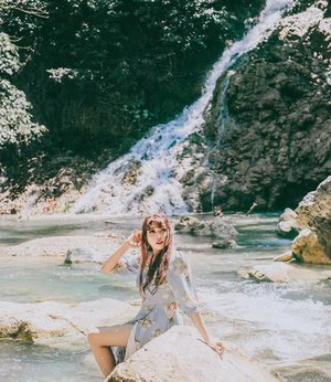 There's no better place to find yourself sitting by a waterfall and listening to it's music . � Lapopu, Sumba Barat . . . . . . #clozette #clozetteid #sumba #exploresumba #wonderfulindonesia #sumbaisland #waterfall #ntt #nusatenggaratimur #travel #lifestyle #eastnusatenggara #sumbabarat #lapopuwaterfall