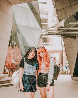 Edisi kangen jalan sama @yumiiikoo 💖💖 . . 📷 @williamiskandar . . . . . #clozette #clozetteid #travel #lifestyle #bukitbintang #ootd #looksootd #outfit #outfitoftheday #sisters #fujifilmxt20 #xt20 #starhillgallery