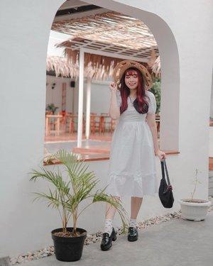 Bali vibes 🤍  📷 @yumiiikoo   .  #clozette #clozetteid #looksootd #outfit #ootd #cidstreetstyle #lookoftheday