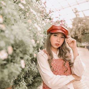 Spring feelings 🌸🌺🌿🍃 . . . . . . . #clozette #clozetteid #portrait #lifestyle #look #lookbook #ootd #outfit #singapore #singaporetourismboard #visitsingapore #passionmadepossible #yunitapassionmadepossible