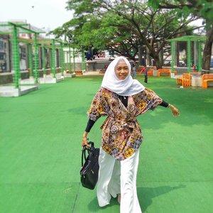 Feelin' so much grateful today. Alhamdulillah 💖.......#ClozetteID #hijab #style #hijabstyle #lifestyle #fashion #havaid #saptoforhava #blogger #fashionblogger #hijabblogger #modeststyle #clozettedaily #bloggerindo #blggerindonesia #indoblogger #indonesianfemalebloggers #indonesianhijabblogger #bloggerperempuan #tapfordetails