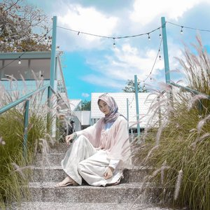 Once you replace negative thoughts with positive ones, you'll start having positive results.Have a good day 💕....#ClozetteID #positivevibes #positiveenergy #DiannoStyle #lifestyle #style #life #hijabtraveler