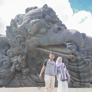 #Throwback . Semoga bumi lekas pulih, pandemi ini segera berakhir, sehingga kita bisa silaturahim kembali bersama yang tersayang dan tentunya dapat menjelajah kembali, menikmati keindahan yang Allah SWT berikan. Aamiin 🤲 . . #clozetteid #CeritaDianAri #diarijourney #Travel #Bali #ExploreBali #coupletraveller #Life #Lifestyle
