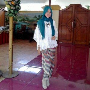 2T, Thin and tall 😁😂..#Clozetteid #hijab #ootd #hootd #kebayainspiration #kebayamodern #hijablook #kebayahijab #kondangan #bajukondangan #hijabfashion #hootdduahijab #hootdduahijabtrans7 #kebayaindonesia #hijabootdindo #hijabfestive #hijabfeature_2016 #starclozetter #clozetter #clozettedaily