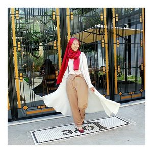 Love what you do. Happy saturday! Happy holiday 😄 .📷 by @mitasantika03 . Thanks so much kakaa sayangg 😙😘..#ClozetteID #hijab #ootd #ootdhijab #hijabootdindo #hijabootdindoweekend #hijabfeature_2015 #DnAProjectInd #Heksagonalscarves #HeksagonalHijab #DnAScarves #hijabfashion #hijabmuslim #hijabchic #diaryhijabers #tapfordetails #vermont #myhijup
