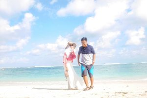 Hello. Welcome September ceria 😄 . . . . . . . #clozetteid #clozettedaily #travel #traveller #coupletraveller #diarijourney #ceritadianari #diari26 #blogger #travelblogger #bali #balilife #balidaily #baliindonesia #beach #lumix #lumix_id #lumixindonesia #lumixgf8 #lumixgf8indonesia #lumixgf8bydian #lumixleica #explorebali #hijabtraveller #couple #couplegoals #bloggerindo