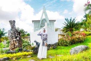 Welcoming Ramadhan.. Let's start a blessful journey. 💕..📸 @ariright ....#clozetteID #clozettedaily #lifestyle #lifestyleblogger #ootd #hootd #ootdhijab #lookbookindonesia #lookbook #travelblogger #fashionstyle #fashion #fashionblogger #bloggerlife #bloggerindonesia #bloggerperempuan #bloggerindo #starclozetter #lumix_id #TakenWithLumix #lumixindonesia #noahvilla #noahvillachapel