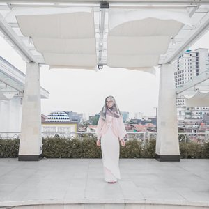 The more we are grateful, the more happiness we get. Happy friday bifellas 💕.....#ClozetteID #DiannoStyle #Style #OOTD #Lifestyle #Hijabootd #fashion #WearAprilia #apriliacollections