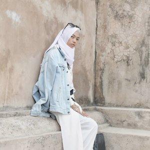 Selamat hari pahlawan.. semoga kita semua bisa menjadi pahlawan bagi sesama, menebar inspirasi kebaikan untuk hidup yg lebih bermanfaat. Hal kecil darimu berarti banyak bagi oranglain 💙........#clozetteID #clozettedaily #travelblogger #Travel #indotraveller #indonesiantraveler #indotravelgram #indotravellers #indonesiantraveller #lifestyle #LifestyleBlogger #indolifestyle #explorejogja #dolanjogja #jogjahits #yogyakarta #situswarungboto #hijabtraveller #travelingwithhijab #travelinstyle #wonderfulindonesia #pesonaindonesia #lookbookindonesia #lookbook #lookbookindo #lumix_id #TakenWithLumix #pesonajogja