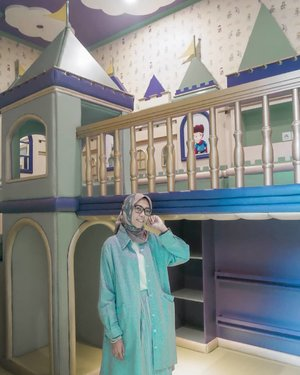 Back to my childhood memories 🧚‍♀️ . . . . . . #ClozetteID #clozettedaily #Life #lifestyle #ParkViewHotel #ParkViewHotelBandung #indotravelgram #indotravellers #hijabstyle #hijabers #hijabtraveller