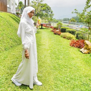 One bottle, treat you better. Happy weekend 💕......@youc1000vitamin #youcmyootd #healthyinsidefreshoutside  #youcvitamin #ootd #ootdhijab #hootd #Clozetteid #clozettedaily #fashion #style #fashionblogger #blogger #bloggerindo #hijabootdindo #hijabootd #casual #modestfashion #modeststyle #whiteonwhite #whitestyle #fashionstyle #modestfashion #modest #style #hootd #fashionenthusiast #bloggerindonesia