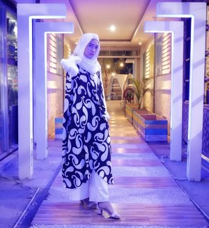 She wants to shine between the light 💜👗 @shopdianpelangi ........#OOTD #Socialove #JakartaFashionWeek2019 #DianPelangixWardah #clozetteID #hijabstyle #hijabootdindo #OOTDindo #hootd #diannostyle #fashion #style #dianpelangicom #dianpelangicollection @dianpelangicom @dianpelangi #hijabfashion #fashionhijab #lookbook #lookbookindonesia #indonesianfemaleblogger #indonesianhijabblogger #indofashionpeople #fashionpeople #indofashionblogger