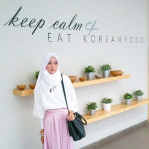 Hai..tau ga sih ternyata di Bandung ada hotel temanya unik banget, korean style. Buat kamu yg penggemar segala hal tentang korea, ataupun kamu yg ingin berlibur di Bandung, hotel ini bisa jadi referensi kamu.  Apa aja sih uniknya? Dan apakah recommended untukmu?  Yuk baca review lengkapnya di beaufavele.com . Link activenya bisa langsung kamu klik di bio ku yaa 😉 thankyou 😘 . . . . . #Clozetteid #travel #review #style #lifestyle #hotelbandung #tamaboutiquehotel #tamaboutique #tamahotel #bandung #hijabfestive #hijablook #hijabstyle #blogger #travelblogger #lifestyleblogger #indonesianfemalebloggers #indoblogger #bloggerbabe #bloggerindo #reviewhotel #koreanstyle #koreanhotel