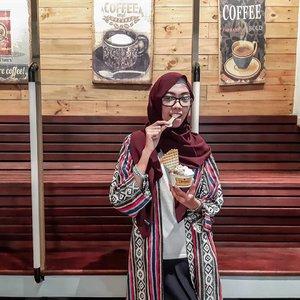 One of my favorite me time 😍 kamu lebih suka makan es krim gelato di cup atau di cone? . . . . . #ClozetteID #clozettedaily #lifestyle #Life #terminalegelato #bloggerlife #gelatobandung #bloggerstyle #bandungkuliner #kulinerbandung
